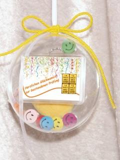 4 g gold gift bar motif: Bestandene Prüfung streamers in gift ball / globe handmade decorated